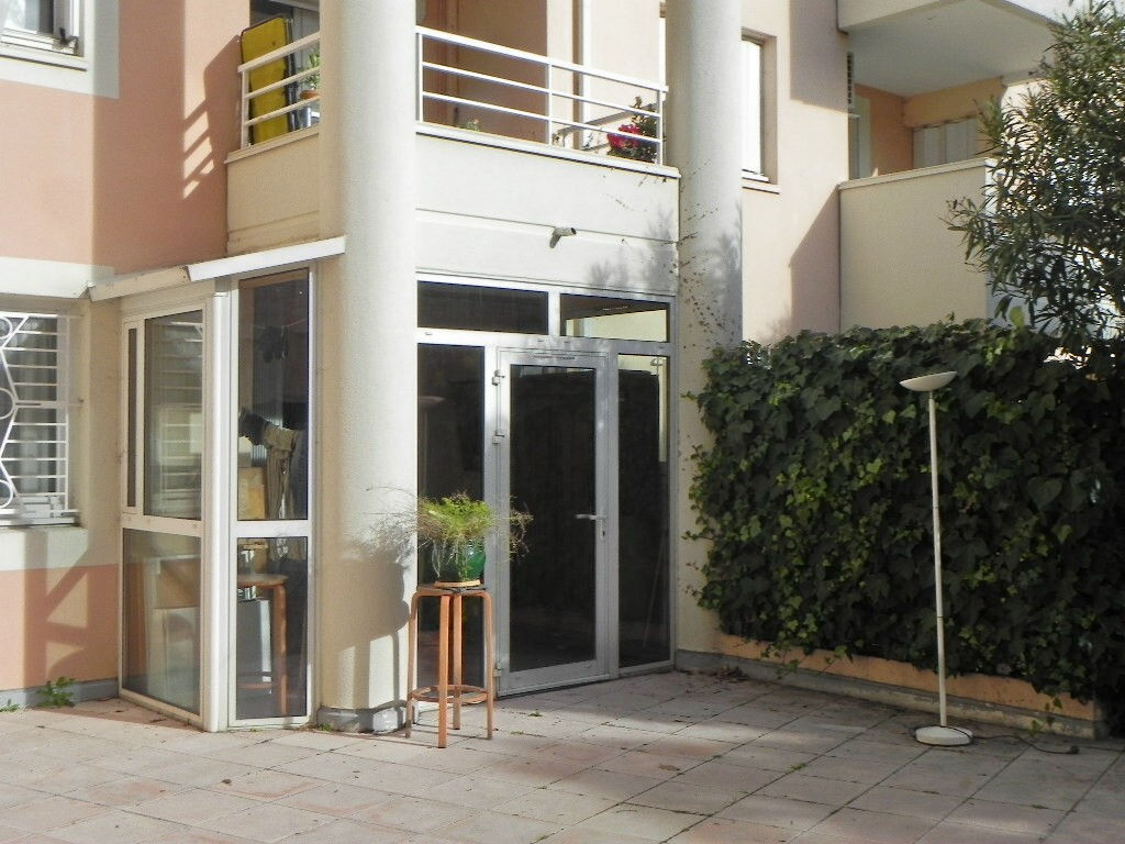 A Louer Appartement Montpellier 5526 M² Ladresse Roure Immobilier
